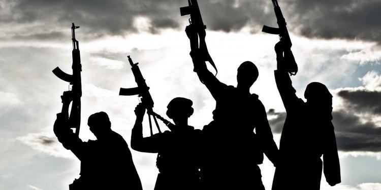 कश्मीर: मुठभेड़ में हिजबुल के दो आतंकी ढेर