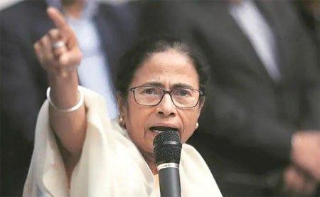 चुनाव आयोग भाजपा के इशारे पर काम कर रहा: ममता बनर्जी