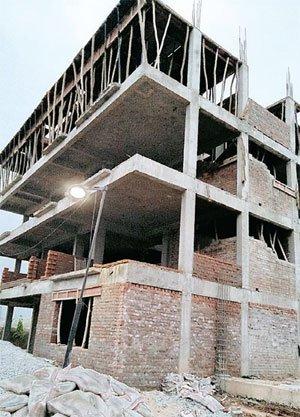 रसूखदारों के आगे बौने भवन निर्माण के नियम