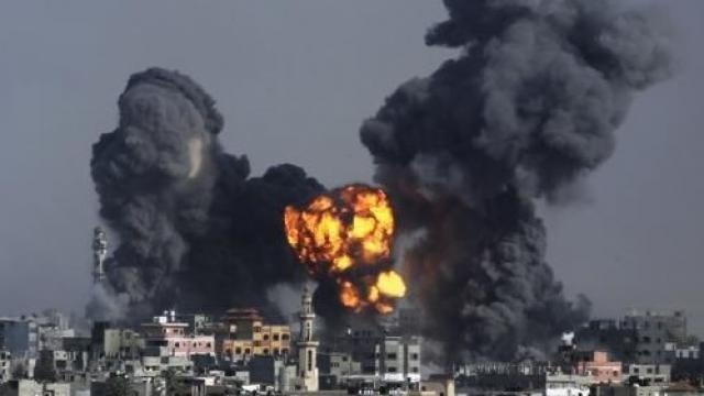 रॉकेट हमले के बाद इजराइल ने गाजा पर की बमबारी
