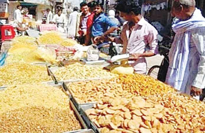 8 मिलावटखोरों पर कार्रवाई, प्रशासन ने ठोका 13 लाख रुपए का जुर्माना