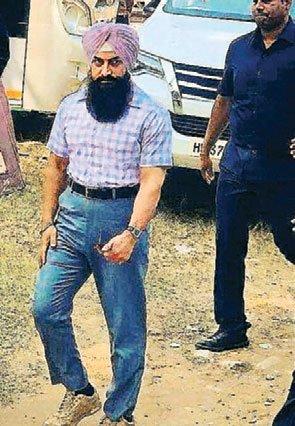 लाल सिंह चड्ढा: आमिर का फर्स्ट लुक वायरल, पगड़ी और दाढ़ी में आए नजर